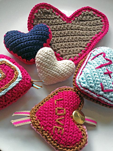 schoenstricken.de | Herz häkeln und stricken zum Valentinstag