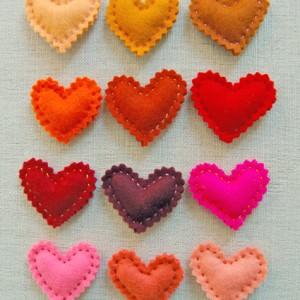diy / Valentinskarten und Herzpins nähen