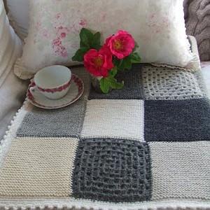 decke mit grannysquares h keln. Black Bedroom Furniture Sets. Home Design Ideas
