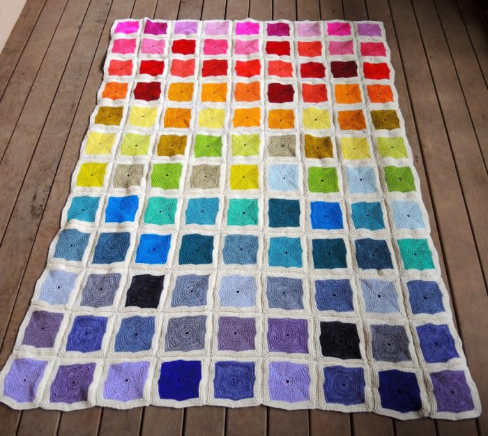 Bunte Patchworkdecke stricken