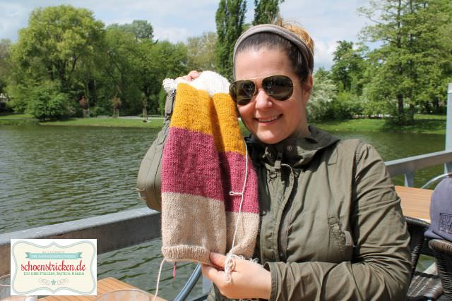 Loop stricken mit Glitzerwolle - schoenstricken.de