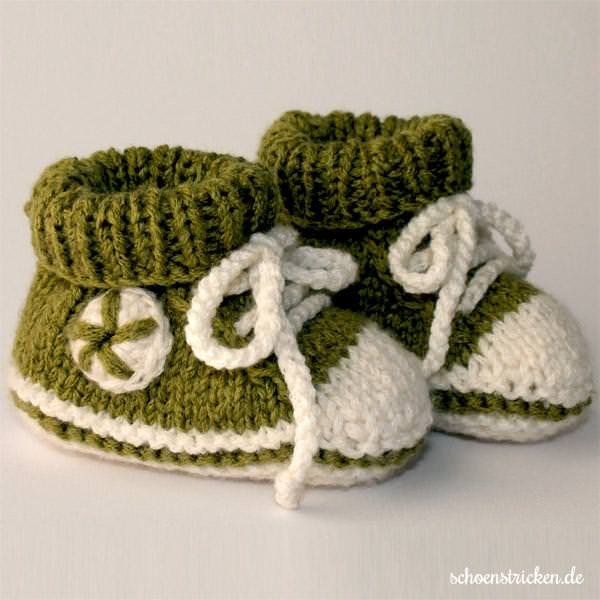 schoenstricken.de | Anleitung: Baby-Chucks häkeln