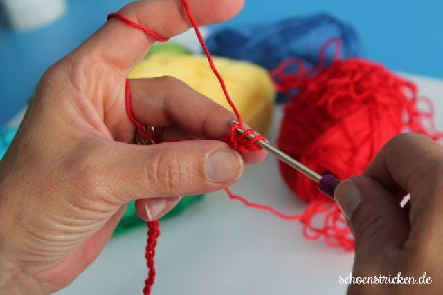 1. Reihe Häkenaleitung Crochet Along - schoenstricken.de
