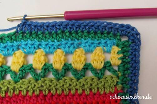 Crochet Along Babydecke Umrandung blau - schoenstricken.de