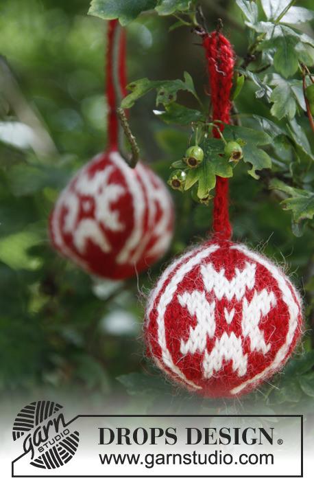 schoenstricken.de | Weihnachtskugeln stricken 2013