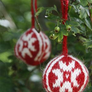 Weihnachtskugeln stricken 2013