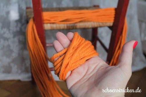 Wie wickel ich einen Wollstrang Teil 7 - schoenstricken.de
