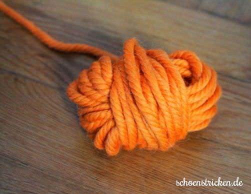 Wie wickel ich einen Wollstrang Teil 8 - schoenstricken.de