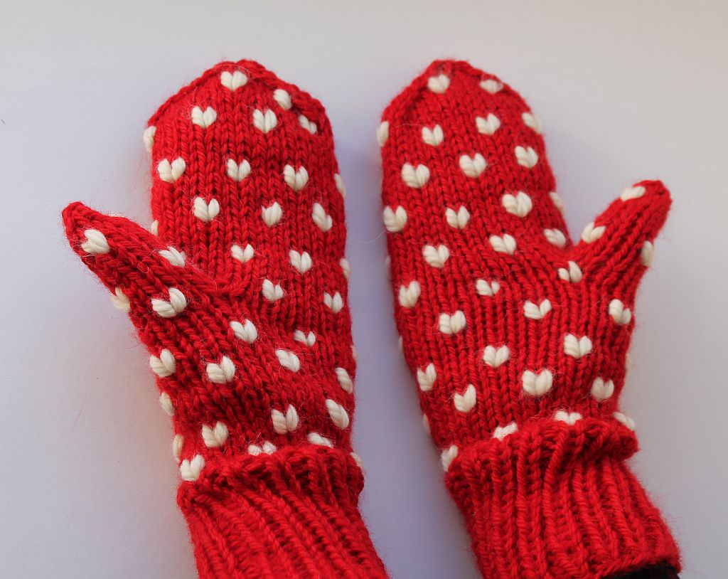 Handschuhe mit Herzen stricken 4 - schoenstricken.de