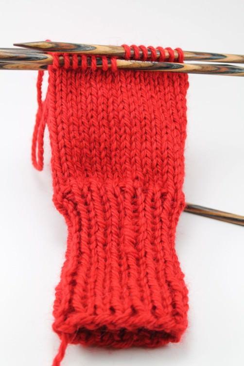 Handschuhe mit Herzen stricken Hand - schoenstricken.de