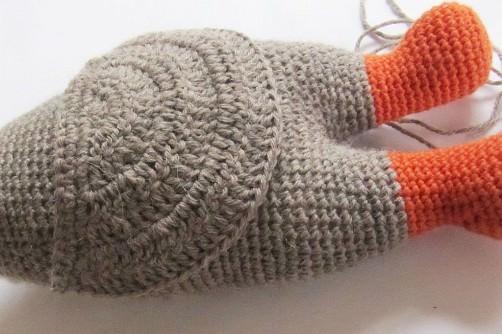 lalylala Känguru Kira häkeln Körper und Beutel- schoenstricken