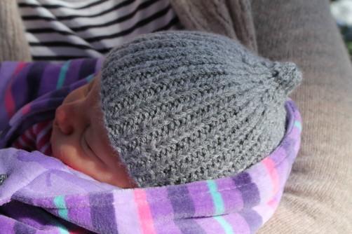 Frühchen Mütze stricken - schoenstricken.de