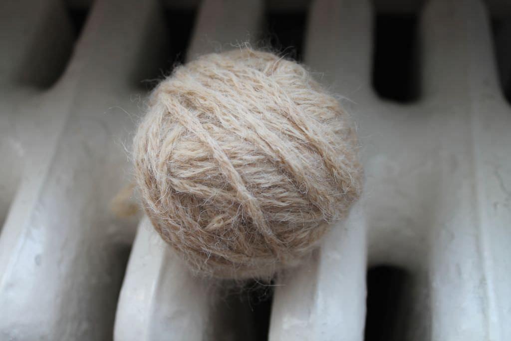 Aufgeräufelte Wolle glätten 2 - schoenstricken.de