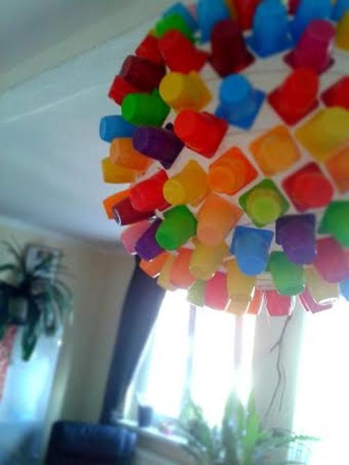 Lampe aus Joghurtbechern von Jette