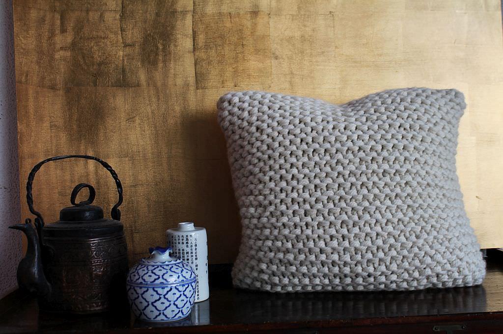 strickkissen leopold junior. Black Bedroom Furniture Sets. Home Design Ideas