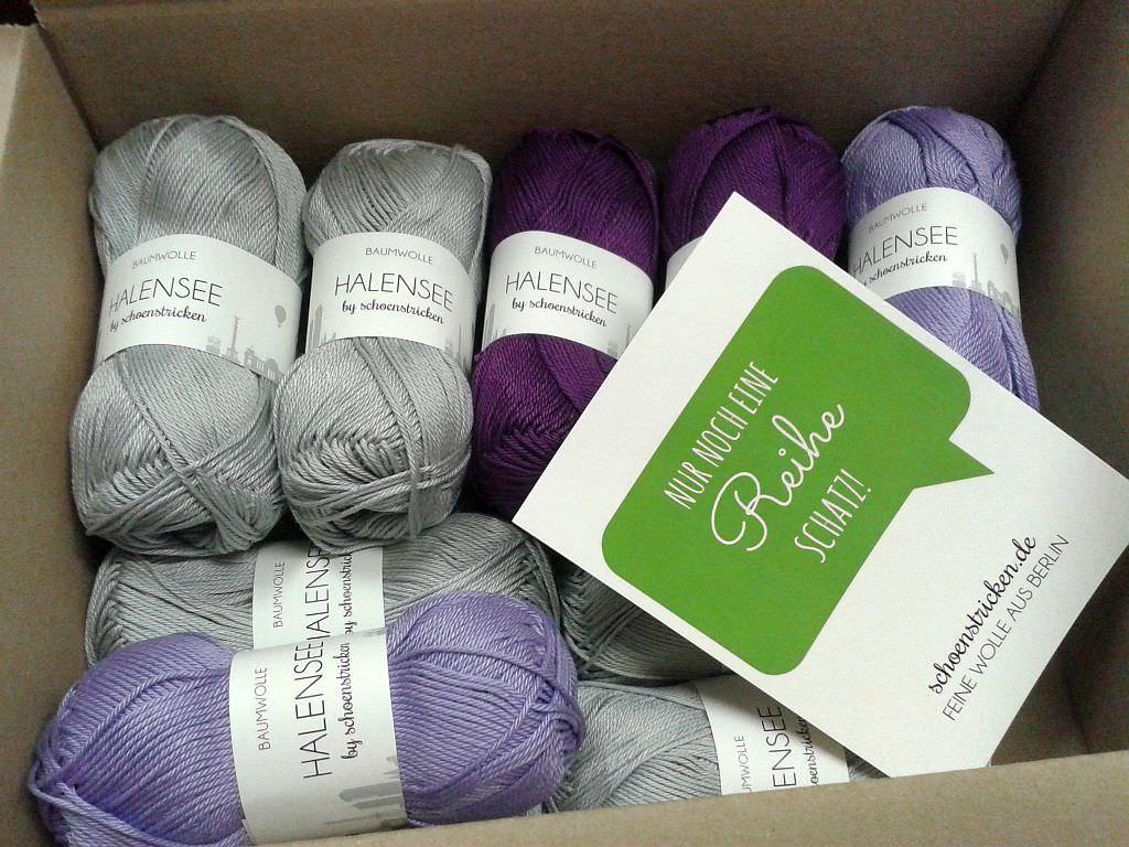 Jessica packt Halensee Wolle für den CAL schoenstricken.de