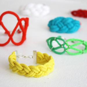 Sommer diy: Bunte maritime Armbänder