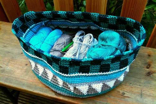 Taschen Crochetalong Teil 2 Schachmuster fertig 1 schoenstricken.de