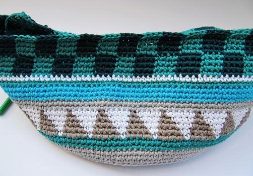 Taschen Crochetalong Teil 2 Schachmuster fertig  schoenstricken.de