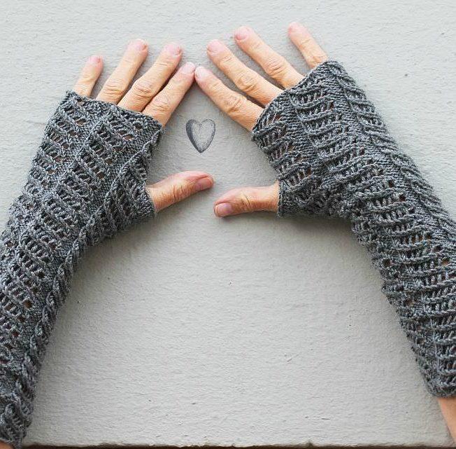 Armstulpen mit Muster stricken von schoenstricken.de