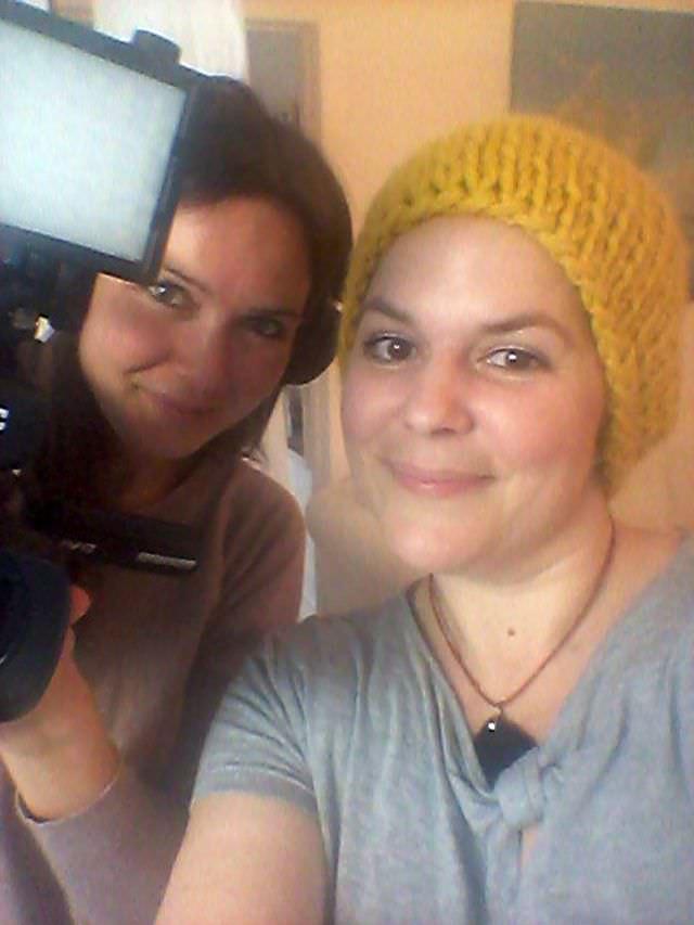 Lena von Dawanda und Jessica von schoenstricken beim Videodreh schoenstricken.de