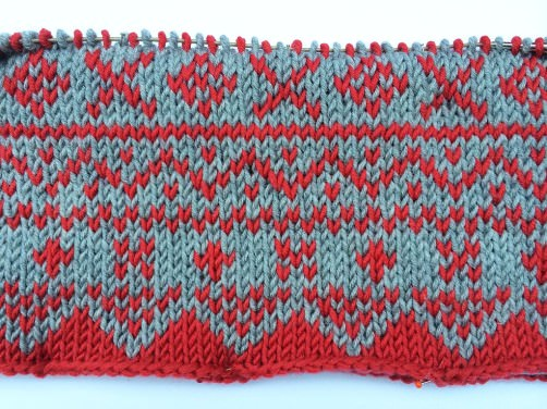 Advents-Knit-Along Norwegermusterkissen 50x50cm Teil 2 Muster 1 close