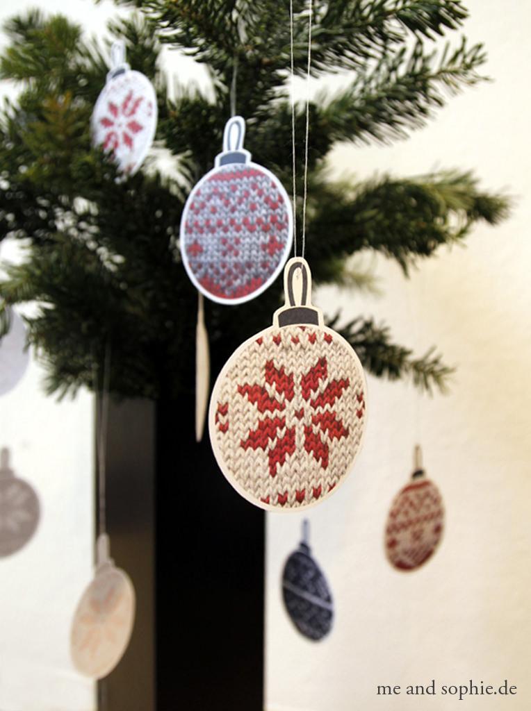 schoenstricken.de | Weihnachtskugeln im Norwegerkissen Knitalong Style