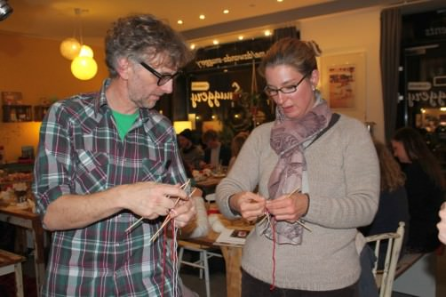 Arne und Carlos stricken mit Katrin schoenstricken.de