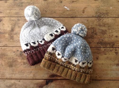 Bablee Hat Mütze mit Schafen stricken schoenstricken.de