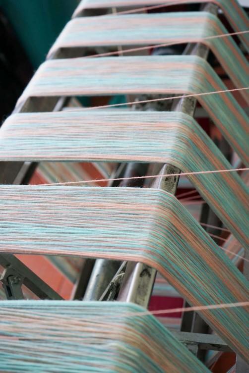 Streifenwolle einfärben 1 schoenstricken.de