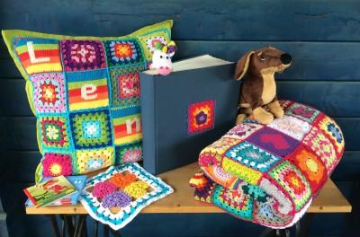Decke Kissen Grußkarten und Dackel