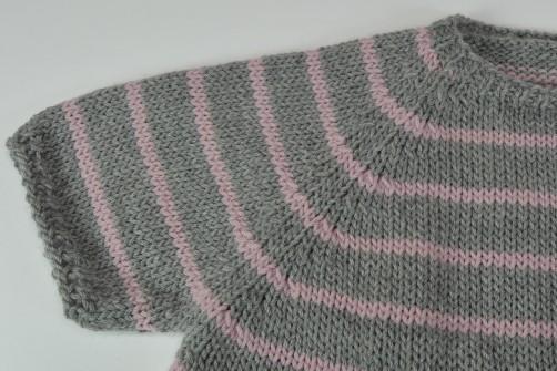schoenstricken.de Kinderkleid Detail Raglan