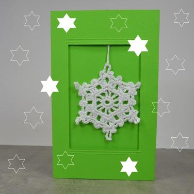 Häkelstern für Weihnachtskarte mit Sternen