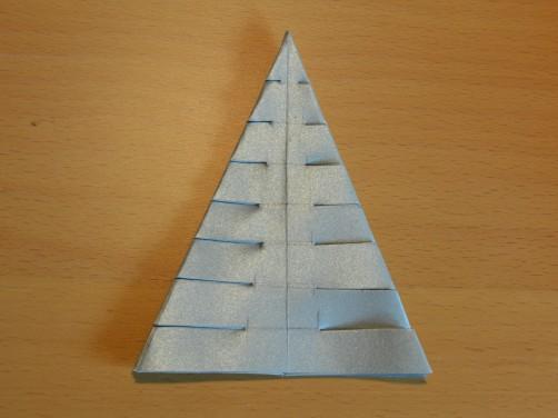 Weihnachtsbaum aus Papier 21