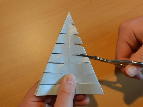 Weihnachtsbaum aus Papier 22