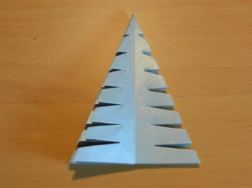 Weihnachtsbaum aus Papier 23