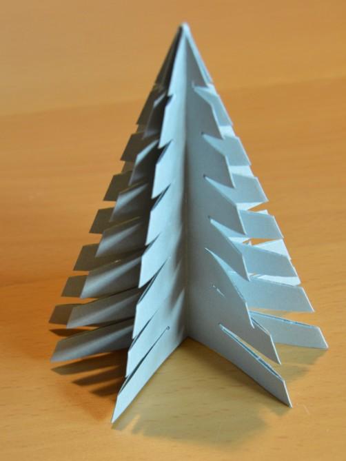 Weihnachtsbaum aus Papier 26