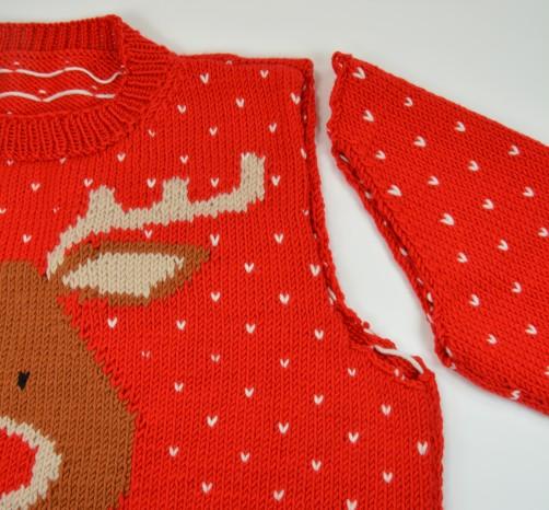 Weihnachtspullover Knitalong Ärmel einnähen