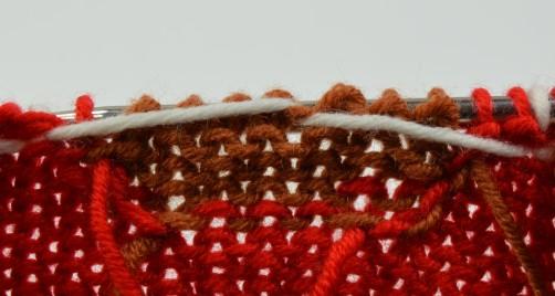 Weihnachtspullover Knitalong Spannfäden Rückseite