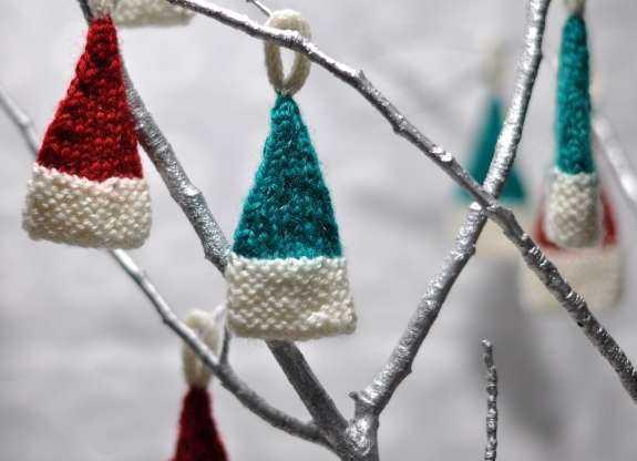 Weihnachtsdeko häkeln anleitung kostenlos  Weihnachtsdeko stricken - Minimützen - schoenstricken.de